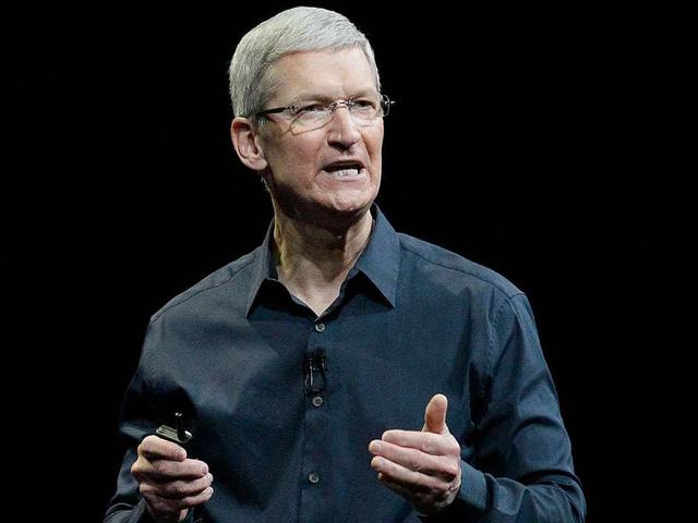 Trước mắt CEO Tim Cook không chỉ có doanh số iPhone, mà còn là vấn đề mã hóa dữ liệu cá nhân của khách hàng.
