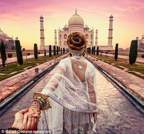 Hai vợ chồng Munrad không quên tới thăm Taj Mahal