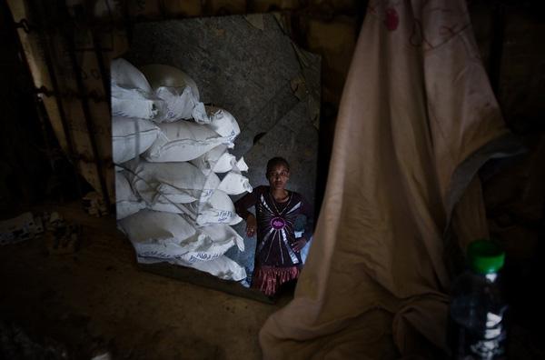 Cô Tsega Desalegh, 25 tuổi, là 1 trong các thành viên của nhóm sản xuất bánh mì.