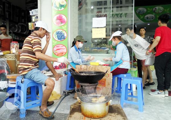 Sảnh chung cư biến thành nơi nấu nướng.