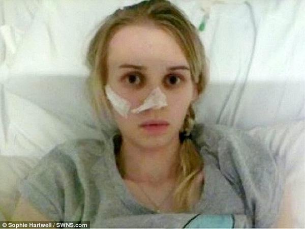 Giải pháp duy nhất mà cả gia đình Sophie hướng tới là được đưa cô sang Mỹ chữa trị.