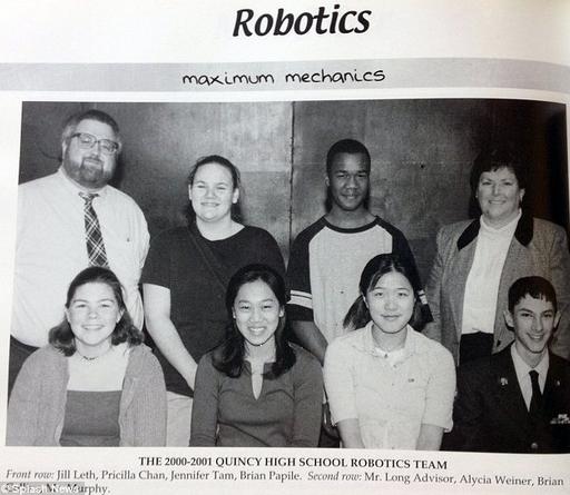Chan và các bạn trong nhóm Robot của trường Quincy (Nguồn: Dailymail)