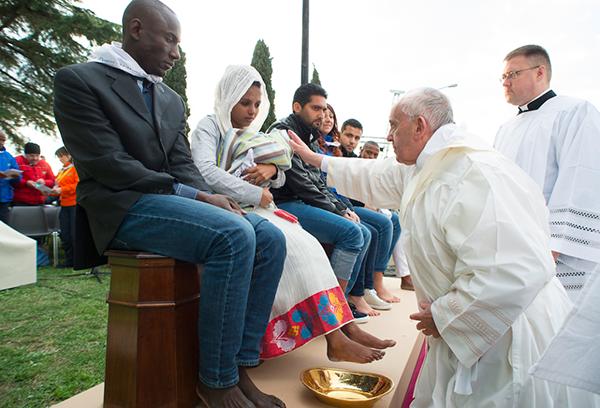 Dù bạn là ai, bạn theo tôn giáo nào thì chúng ta vẫn là con của Chúa. Chúng ta xứng đáng được sống trong hòa bình.