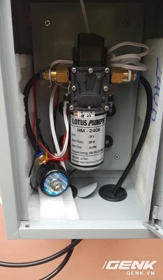 Cả hệ thống bơm có thể nằm gọn trong 1 tủ điện 25x45 để tránh mưa nắng