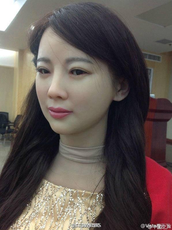 Jia Jia cso thể tương tác với mọi người (Ảnh: CCTV News)