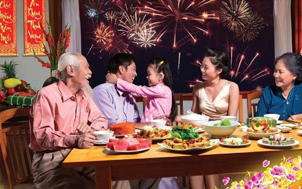 Giao thừa của ngày xưa là khi gia đình ngồi quây quần bên nhau, cùng trò chuyện và quây quần bên nhau.