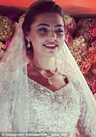 Cận cảnh nhan sắc xinh đẹp của cô dâu Khadija. Ảnh: Instagram
