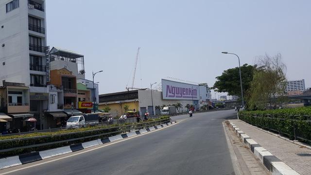 Cung đường tràn ngập dự án cao cấp đã và đang thành hình.