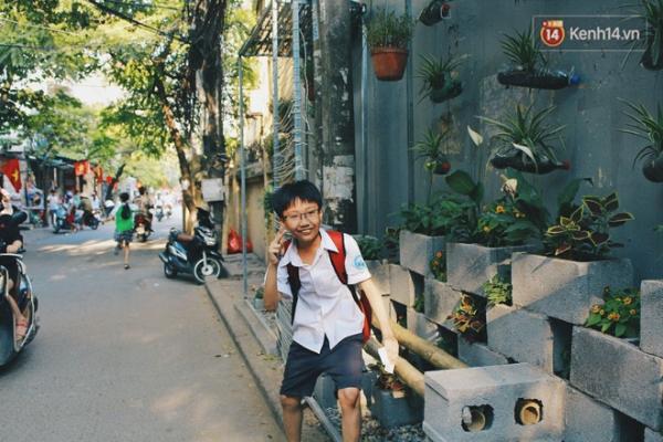 Buổi chiều tan học, nhiều em nhỏ tranh thủ ghé qua đây dạo chơi.