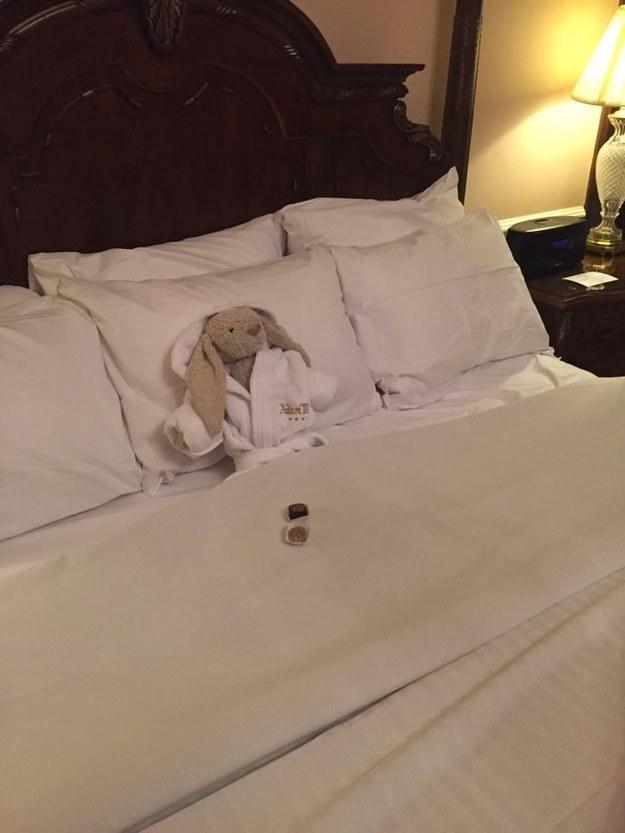 Khách hàng bỏ quên đồ, và khách sạn này đã biến nó thành chiêu Marketing không thể thông minh hơn - Ảnh 10.