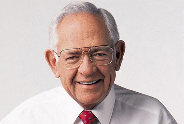 Dave Thomas – nhà sáng lập và CEO của đế chế đồ ăn nhanh Wendy đã rời khỏi trường trung học để làm thêm tại nhà hàng Hobby House tại Fort Wayne.