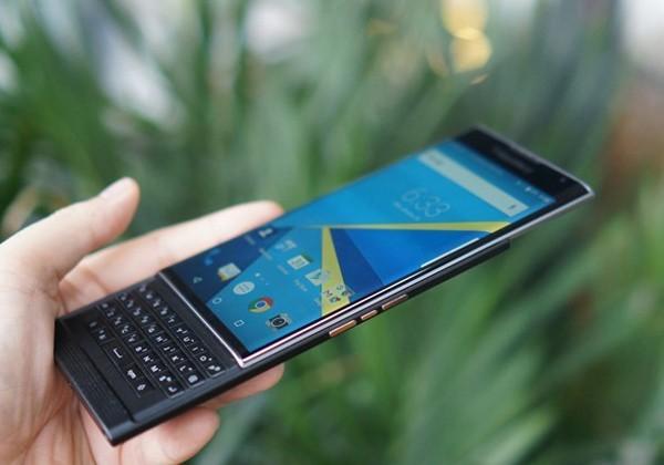 Mảng di động của BlackBerry đứng trước tương lai bấp bênh