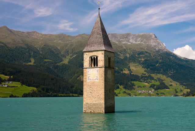 Hồ Reschen, Italy