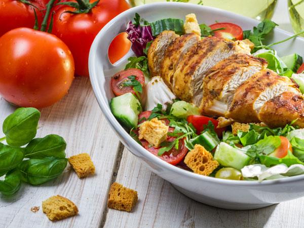 Nếu muốn giảm cân bền vững, hãy hạn chế ăn kiêng.