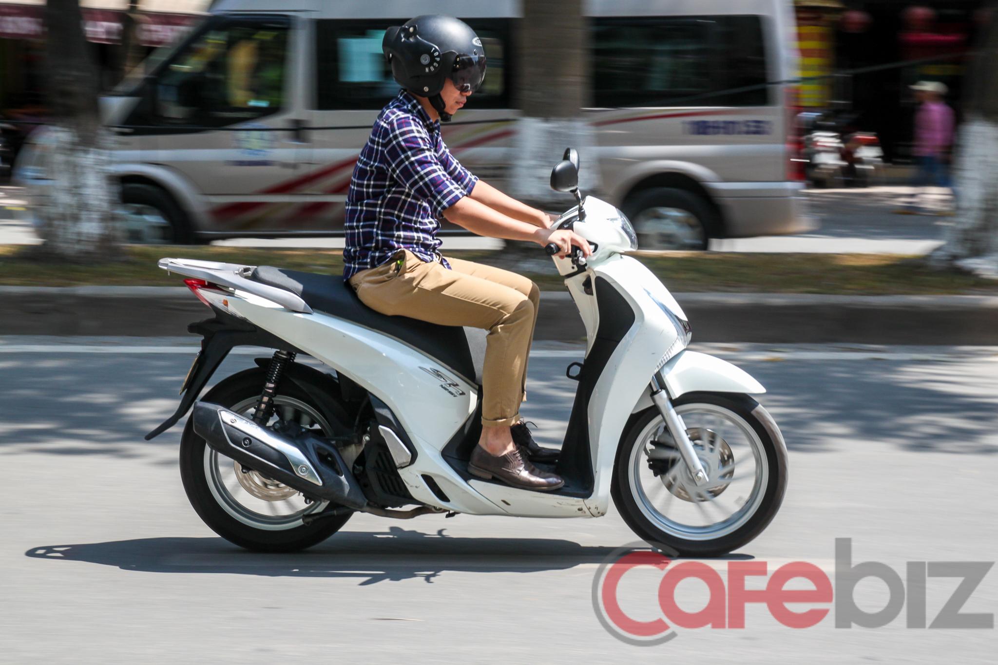 Honda SH khá ì và ồn ào ở vận tốc thấp.