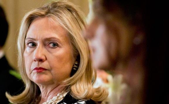 Chắc hẳn đây là khuôn mặt của bà Hillary khi nghe câu trả lời của Elllen