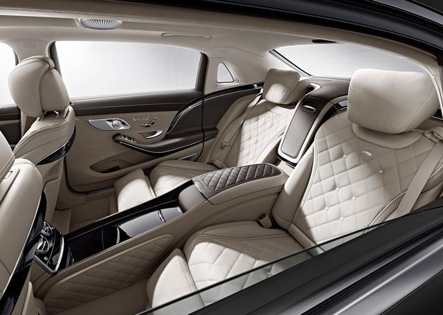 Hình ảnh nội thất của chiếc xe Mercedes-Maybach S600 do chính hãng này công bố