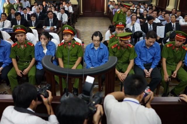 Bắt đầu 17 ngày xử phúc thẩm Huyền Như và đồng phạm (2)