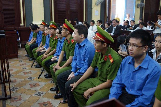 Các bị cáo tại phiên phúc thẩm - Ảnh: Thuận Thắng