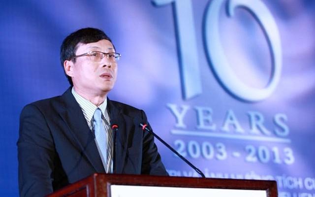 Chủ tịch Uỷ ban Chứng khoán Vũ Bằng: Đứng đầu cơ quan quản lý trực tiếp thị trường chứng khoán Việt Nam, góp phần đảm bảo cho thị trường chứng khoán vận hành thông suốt, chắp bút cho cơ quan quản lý cấp cao hơn trong việc soạn thảo các văn bản pháp lý có liên quan đến thị trường chứng khoán; mỗi phát ngôn của ông Bằng đều có ảnh hưởng lớn đến thị trường chứng khoán.</p></div><div></div></div><p></p><p>Muốn thị trường chứng khoán phát triển ổn định, khung pháp lý đầy đủ, phù hợp; hệ thống giám sát tốt là điều không thể thiếu. Và, để làm được điều này, thị trường trông chờ vào sự sáng suốt, nhanh nhạy của Uỷ ban Chứng khoán, mà đứng đầu là ông Bằng.