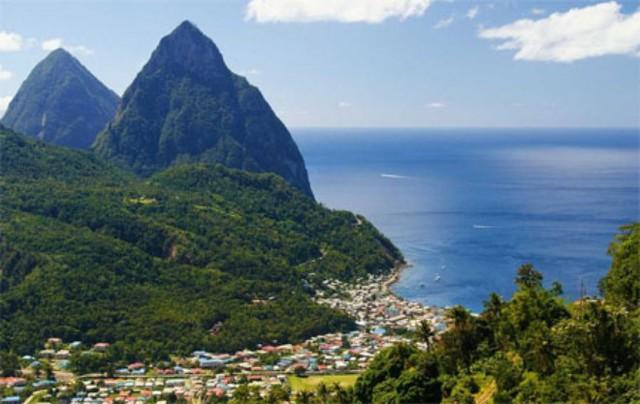 5. Saint Lucia</p></div><div></div></div><p> </p><p><i>Dự báo tăng trưởng GDP năm 2015: -0,6%</p><p>Dự báo tăng trưởng GDP năm 2016: +0,8%</p><p>Dự báo tăng trưởng GDP năm 2017: +1,4%</p><p>Dự báo tăng trưởng GDP từ năm 2014-2017: +0,15%</i></p><p>Du lịch là lĩnh vực chính trong nền kinh tế Saint Lucia, đảo quốc ở Đại Tây Dương. Bởi vậy, khi ngành du lịch sụt giảm do khủng hoảng tài chính, nền kinh tế này đã gặp khó và đến nay vẫn chưa phục hồi hoàn toàn.