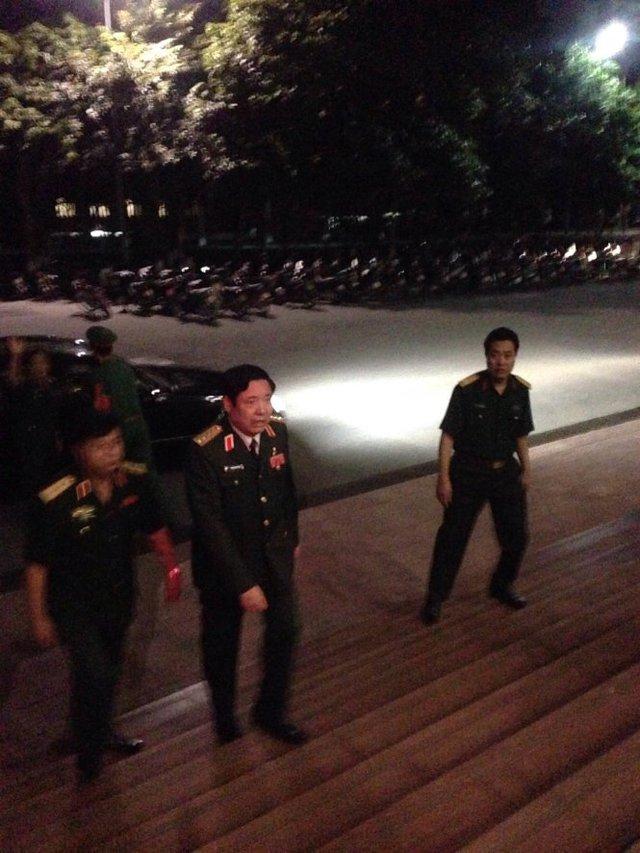 Đại tướng Phùng Quang Thanh đến hội trường Bộ Quốc phòng - Ảnh: V.V.T
