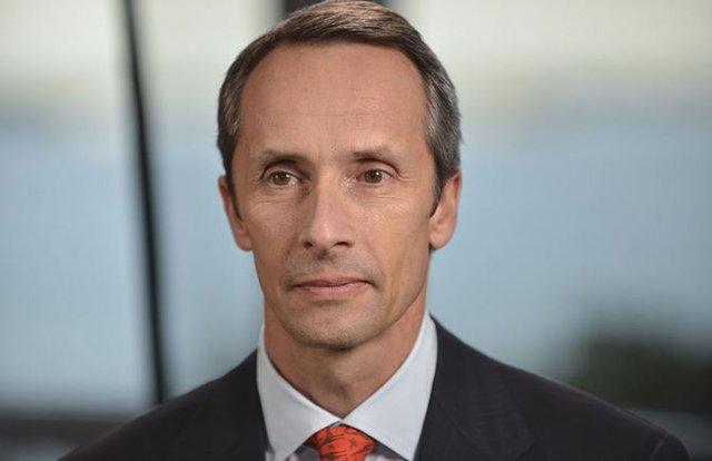 Ông Marko Dimitrijevic là nhà sáng lập, kiêm CEO công tyEverest Capital, điều hành quỹ phòng vệ Global Fund.