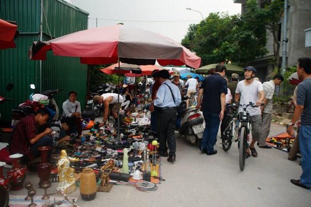 Một góc chợ công nghệ cũ tại Vạn Phúc - Hà Đông.