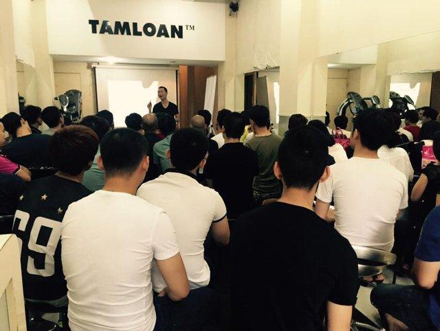 Hệ thống đào tạo của anh mỗi năm thu nhận vài chục học viên. Thời gian học tùy theo khóa học viên đăng ký.