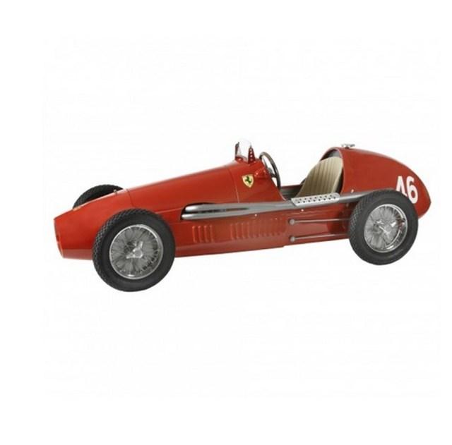 Mô hình của chiếc Ferrari 500 F2 với giá 14.850 USD.