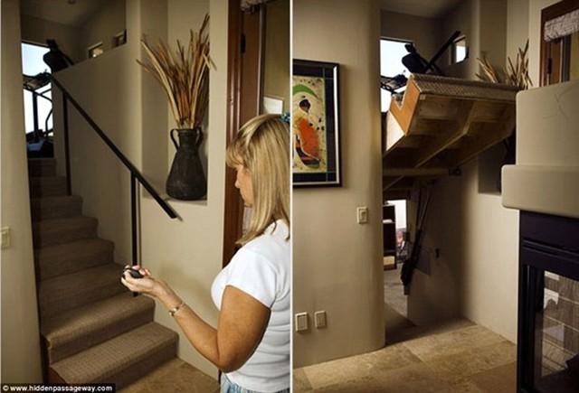 Với một nút nhấn từ xa, chủ sở hữu căn nhà này có thể điều khiển cầu thang nâng lên để lộ một lối đi bí mật.