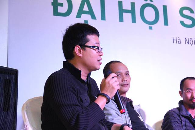 CEO Đỗ Tuấn Anh tại Đại hội Startup 2015.