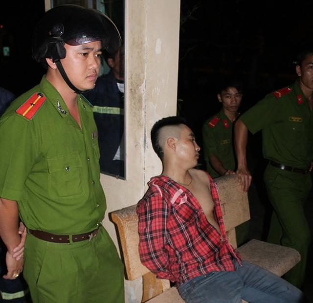 Một tay anh chị bị công an Phú Quốc bắt giữ - Ảnh: G.S.