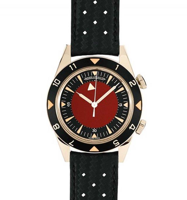 Ngoài ra, ông cũng thiết kế chiếc đồng hồ Jaeger-LeCoultre này để đấu giá gây quỹ hỗ trợ chiến đấu chống AIDS.