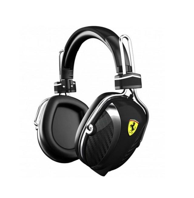 Tai nghe Scuderia Ferrari P200 có giá 230 USD.