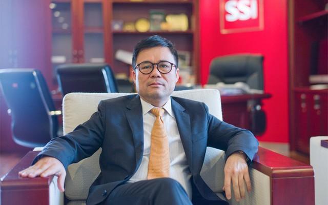Chủ tịch kiêm Tổng giám đốc SSI Nguyễn Duy Hưng: Đứng đầu Công ty Cổ phần Chứng khoán Sài Gòn (SSI) - công ty chứng khoán tư nhân đầu tiên, có quy mô vốn lớn, luôn nằm ở top đầu môi giới, sức ảnh hưởng của ông Hưng với tư cách Chủ tịch SSI đến thị trường chứng khoán nằm cả ở lĩnh vực môi giới lẫn đầu tư.