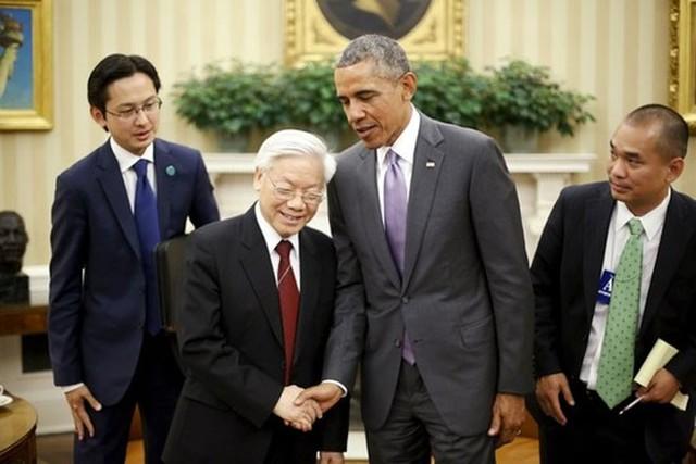 Nhìn lại 20 năm qua, hai nhà lãnh đạo cùng bày tỏ vui mừng về sự phát triển tích cực, nhanh chóng trong quan hệ hữu nghị và hợp tác giữa hai nước - Ảnh: Reuters.