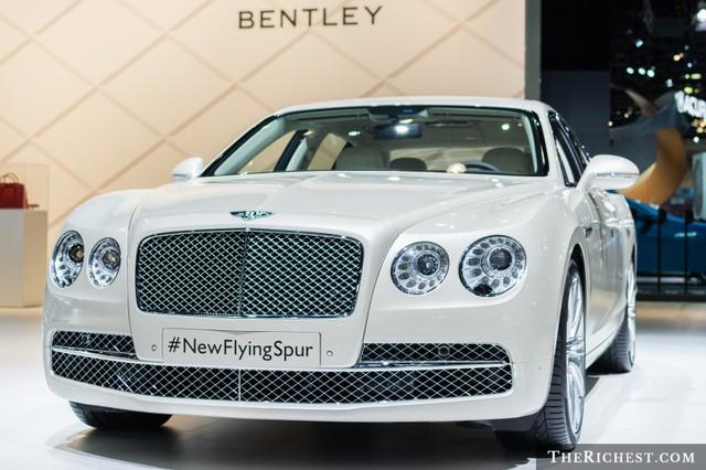 shutterstock_Bentley Flying Spur