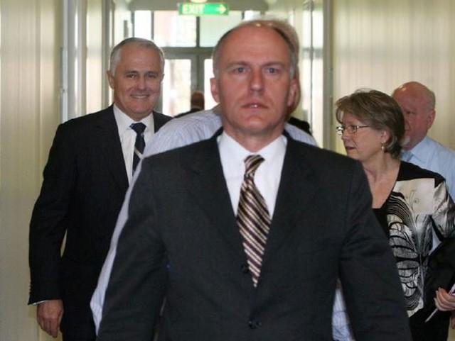 Ông Turnbull giữ quan điểm ủng hộ hôn nhân đồng giới, trái ngược so với ông Tony Abbott. Tân Thủ tướng Australia từng tuyên bố nếu đưa vấn đề hôn nhân đồng giới ra bỏ phiếu thì ông sẽ bỏ phiếu thuận. Trong một bài viết đăng trên blog hồi tháng 8, Turnbull cho rằng hôn nhân đồng giới không nên là một chủ đề gây tranh cãi trong cuộc bầu cử sắp tới.<br><br>Ngoài ra, ông còn chú trọng đến vấn đề chống biến đổi khí hậu và tăng thêm quyền cho phụ nữ.<br>