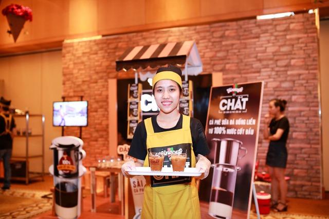 Sản phẩm Vinacafé Chất - Sài Gòn Cà Phê Sữa Đá với cà phê được làm hoàn toàn từ 100% nước cốt đầu tiên ở nhiệt độ chuẩn như pha phin