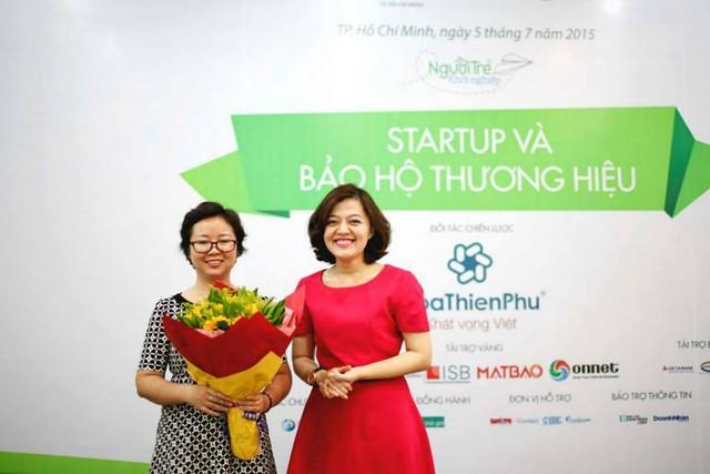 Bà Ngô Phương Trà (trái) và bà Trương Lý Hoàng Phi - giám đốc BSSC.
