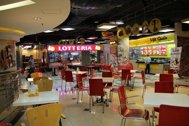 Một góc quán ăn nhanh Lotteria tại khu ăn uống của TTTM Parkson