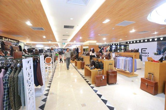 Khu vực bán hàng tầng 4