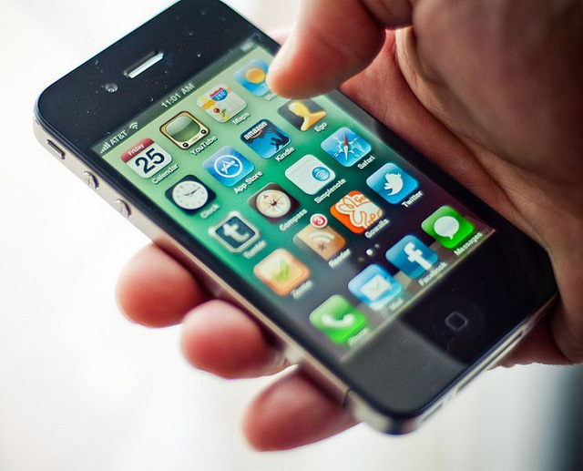 Steve Jobs từng cho rằng màn hình 3,5 inch là tiêu chuẩn để người dùng có thể thoải mái thao tác trên smartphone.