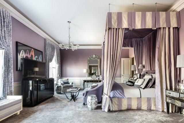 Kiến trúc sư nổi tiếng Frank Lloyd Wright sử dụng căn phòng này như nhà riêng trong thời gian ông thiết kế Bảo tàng Guggenhein từ năm 1954 cho đến 1959.