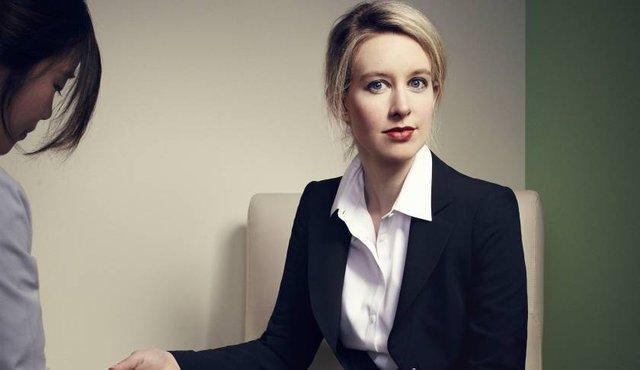 Elizabeth Holmes mất 4,5 tỉ USD sau một thời gian ngắn.