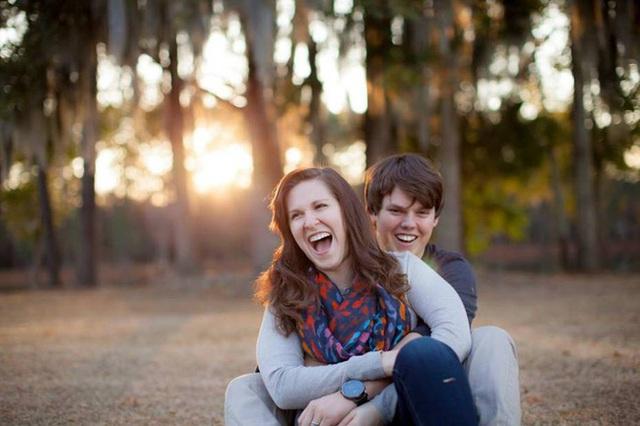 Matt và Danielle, cặp vợ chồng mới cưới tưởng chừng đã nắm được hạnh phúc mãi mãi trong lòng bàn tay...