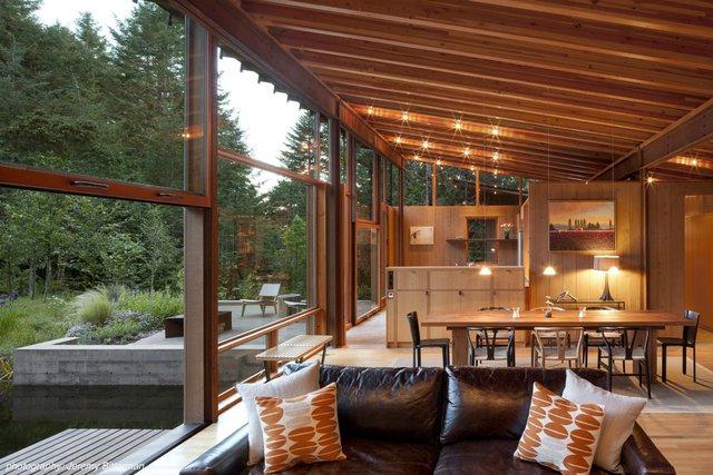 Một căn hộ không vách ngăn từ bếp cho tới phòng khách và phòng ngủ. Căn hộ này được thiết kế bởi công ty kiến trúc Cutler Anderson.
