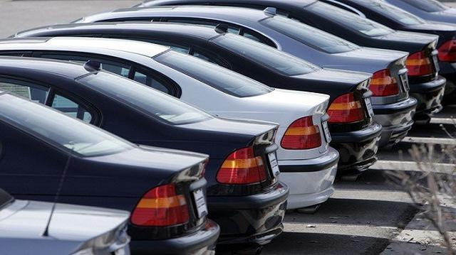 Nếu mua xe cũ, cần đặt mối quan tâm hàng đầu tới lai lịch và những người chủ cũ của xe.