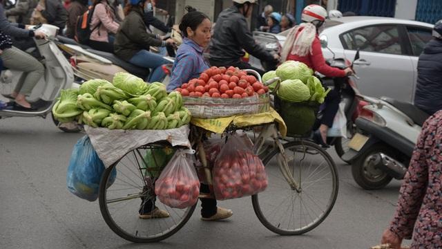 Xe đạp gần như bị thay thế hoàn toàn bởi xe máy.